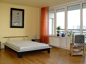 ferienwohnung berlin leipziger strasse berlin. Black Bedroom Furniture Sets. Home Design Ideas